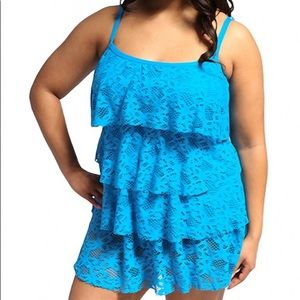 Kenneth Cole. Island Fever Pls Size Tiered Tankini